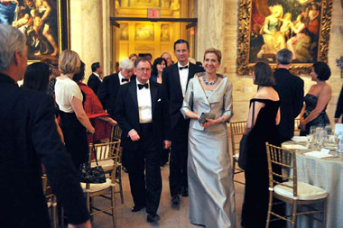 Malcolm-Rogers-with-Royalty.jpg