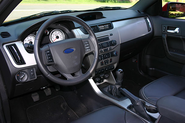 2009-Ford-Focus-SES-coupe-interior.jpg