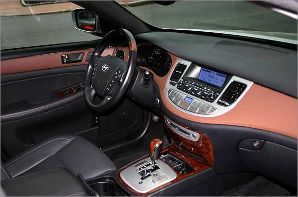 2009 Hyundai Genesis Dash