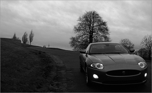2009-Jaguar-XK-front-road-2-bw.jpg