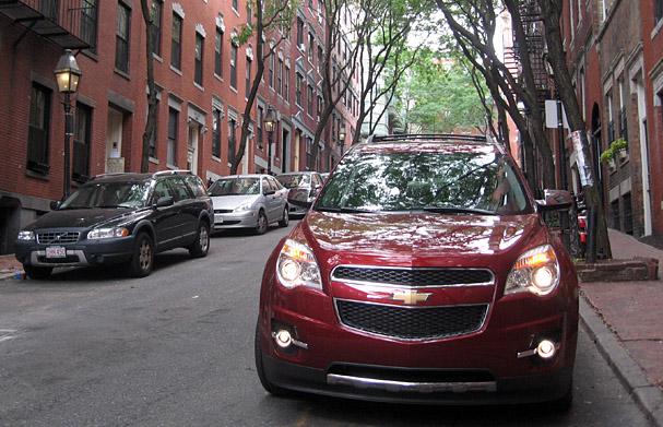 2010-Chevrolet-Equinox-front.jpg