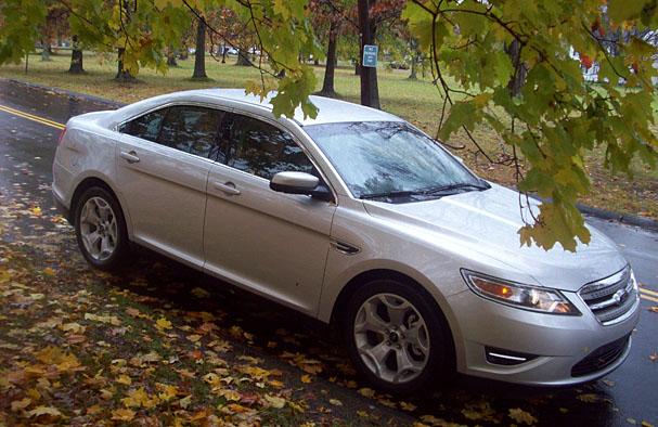 2010-Ford-Taurus-front-3-4.jpg