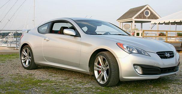2010-Hyundai-Genesis-Coupe-front-34.jpg