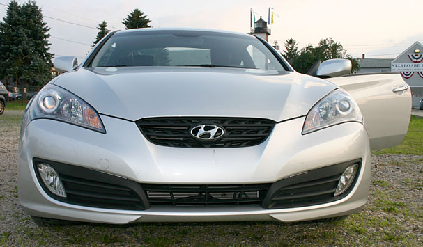 2010 Hyundai Genesis Coupe Front