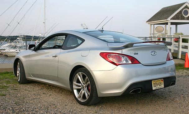 2010 hyundai genesis coupe on the upswing boston overdrive. Black Bedroom Furniture Sets. Home Design Ideas