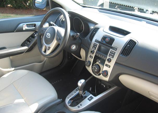 2010-Kia-Forte-interior.jpg