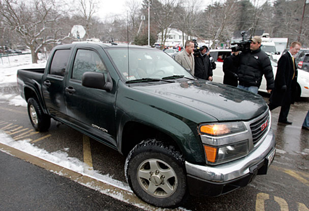 Truck sales picked up by Scott Brown's ho-hum GMC - Boston ...