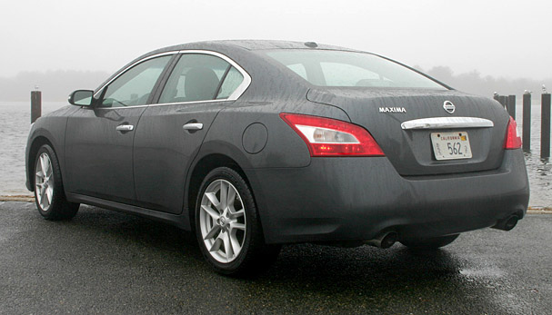 2010 Nissan Maxima Rear
