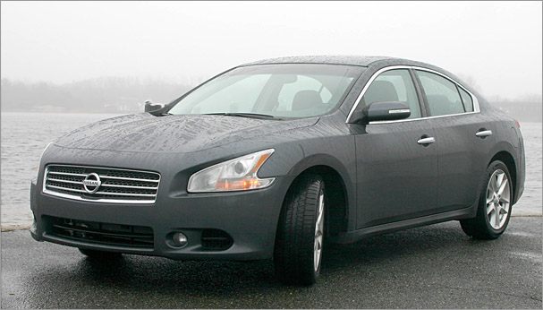 2010-Nissan-Maxima.jpg