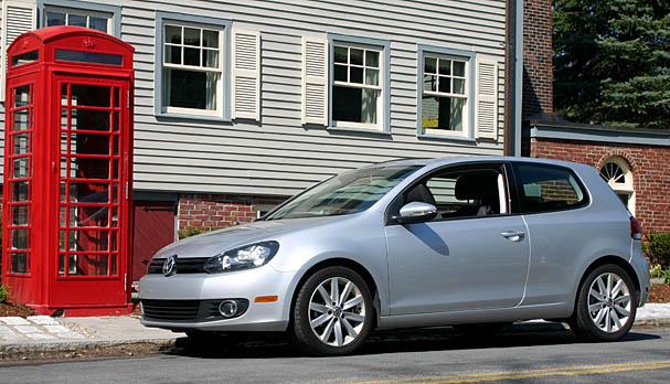 2010-Volkswagen-Golf-TDI-front.jpg