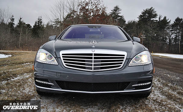 2010-Mercedes-S550-4matic-front.jpg