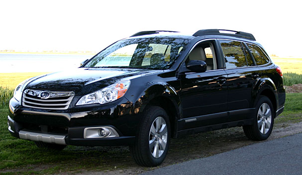 2010-Subaru-Outback-front.jpg