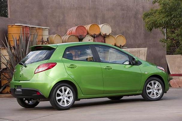 2011-Mazda-2-rear.jpg