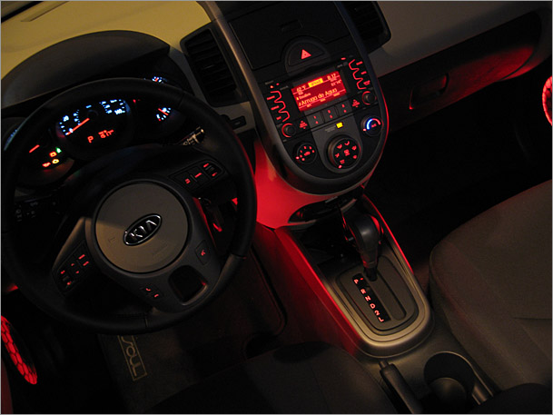 KiaSoul-interior-lights.jpg