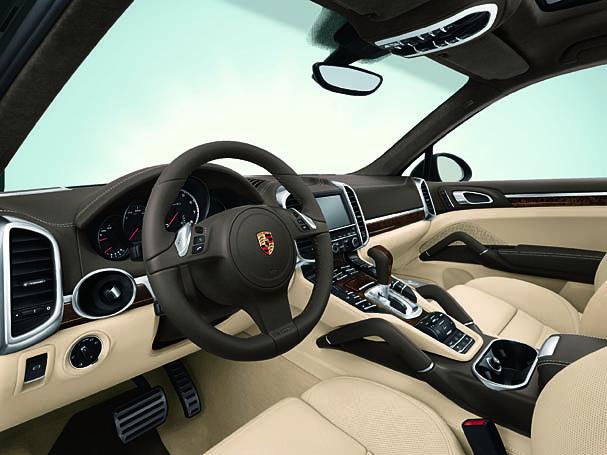 2011-Porsche-Cayenne-Turbo-interior.jpg