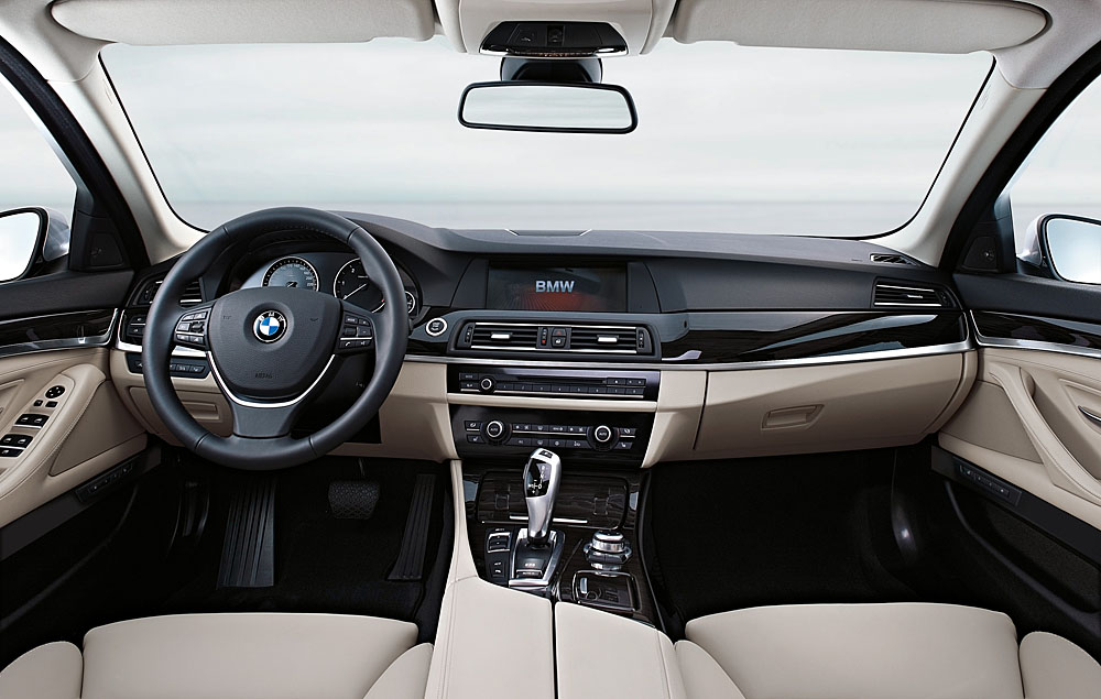 Luxury V 8 Midsizers Bmw 550i Vs Infiniti M56 Vs Jaguar