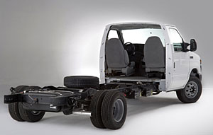 2008-Ford-Econoline-tractor.jpg