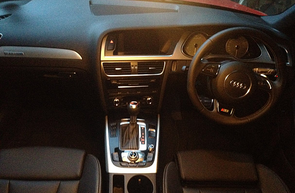 Audi-S4-Avant-2013-interior.jpg