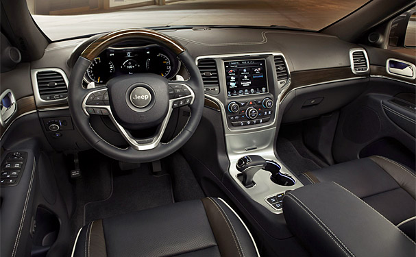 2014-Jeep-Grand-Cherokee-interior.jpg