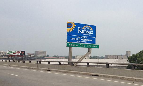 Kansas-border.jpg