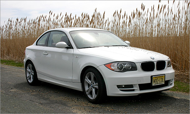 2009 bmw 128i rare and satisfying except fuel economy boston overdrive. Black Bedroom Furniture Sets. Home Design Ideas