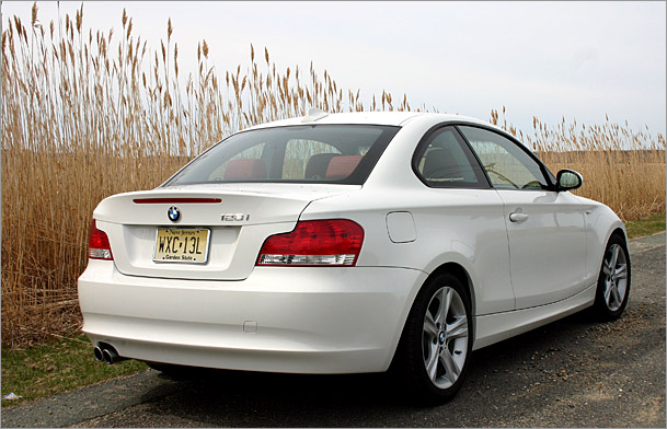 2009 BMW 128i rear