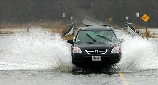 Honda CR-V fording water