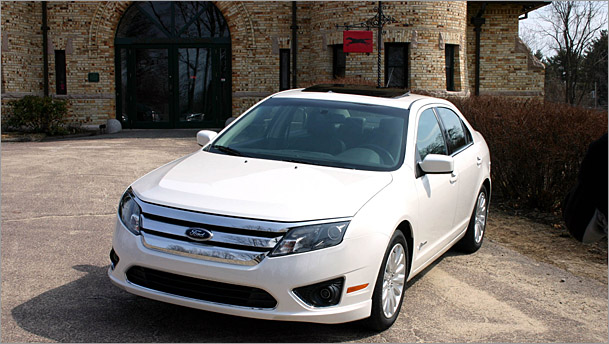 Fusion Front on Ford Fusion Hybrid Car