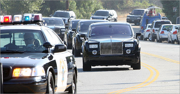 Michael-Jackson-funeral-procession-Rolls-Royce.jpg