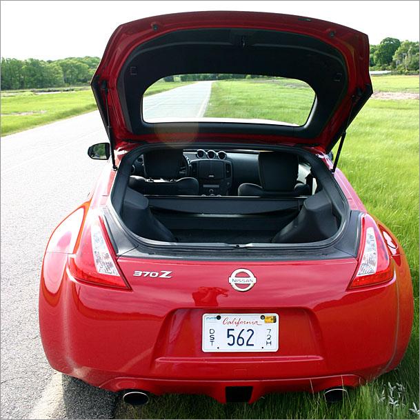 Nissan%20370Z-hatch.jpg