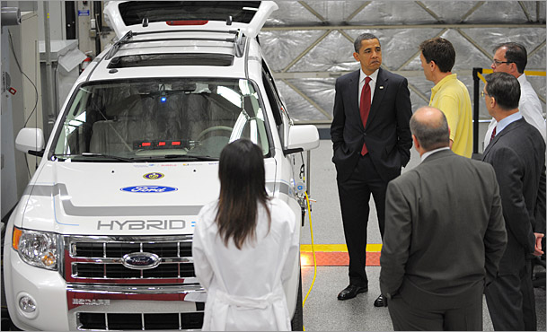 Barack Obama at Edison electric vehicle technical center
