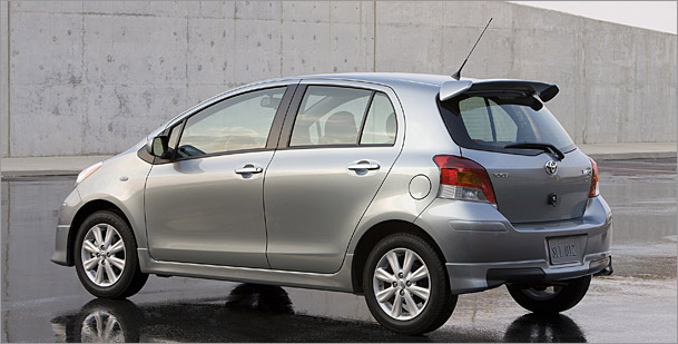 2009 Toyota Yaris S five-door