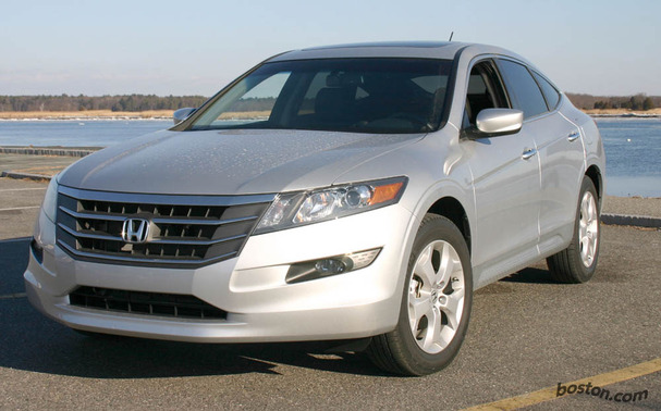 2010-Honda-Accord-Crosstour-front.jpg