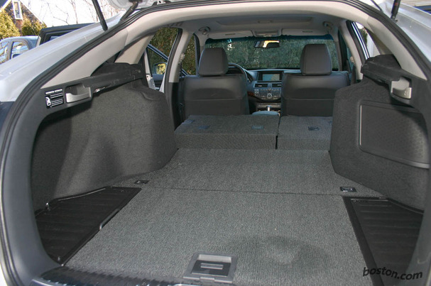 2010-Honda-Accord-Crosstour-interior-cargo.jpg