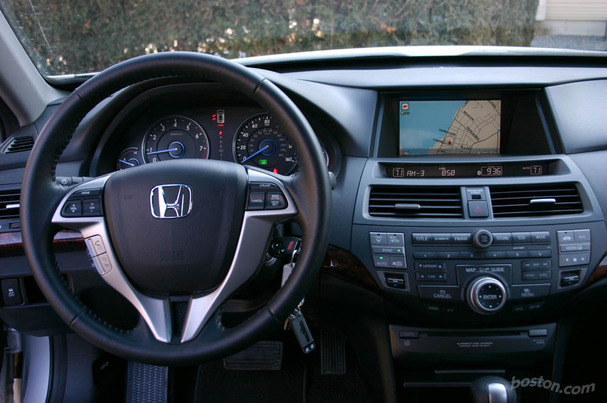 2010-Honda-Accord-Crosstour-interior.jpg. Even in its standard trim,