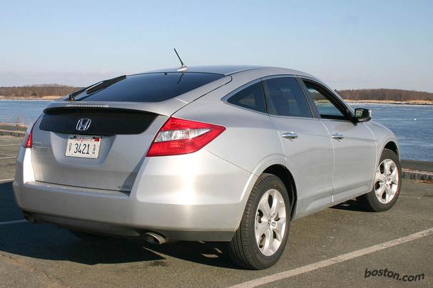 2010-Honda-Accord-Crosstour-rear-34.jpg