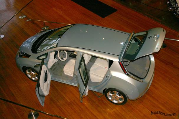Nissan-Leaf-Boston-2.jpg