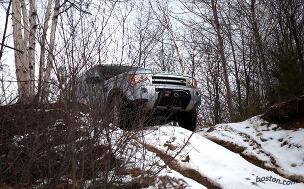 2009-Land-Rover-LR3-front.jpg