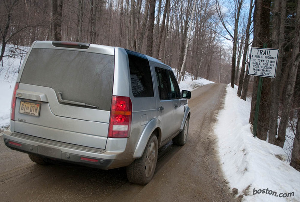 2009-Land-Rover-LR3-rear.jpg
