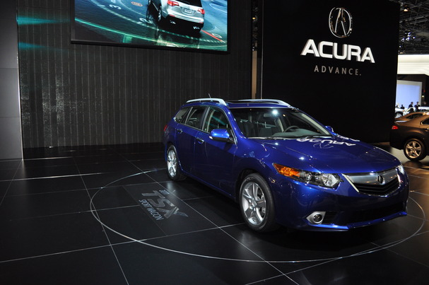 2011-Acura-TSX-Sports-Wagon.JPG