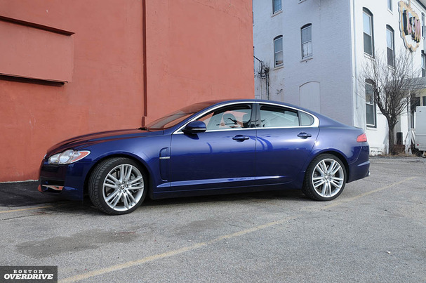 2010-Jaguar-XF-Supercharged-front-34.jpg