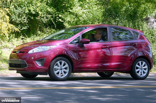 2011-Ford-Fiesta-607.jpg
