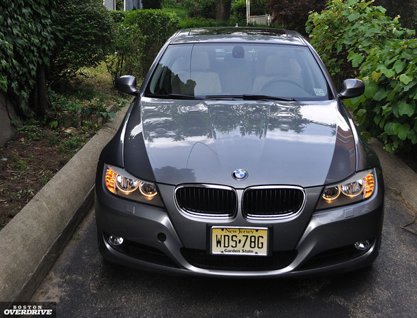 2011 Bmw 328i Short On Luxury 3 Series Is Hard To Pass