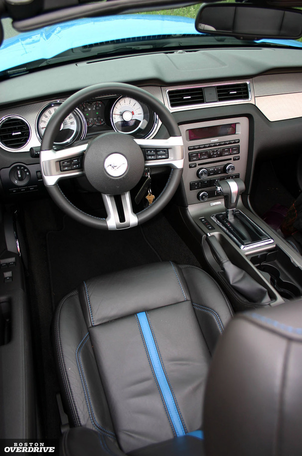 2011-Ford-Mustang-GT-Convertible-interior.jpg