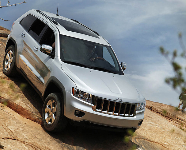 2011-Jeep-Grand-Cherokee-descent.jpg