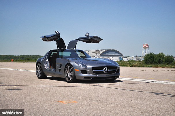 Mercedes-SLS-AMG-boston-doors-up.jpg