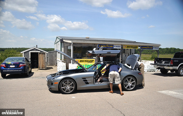 Mercedes-SLS-AMG-boston-side.jpg