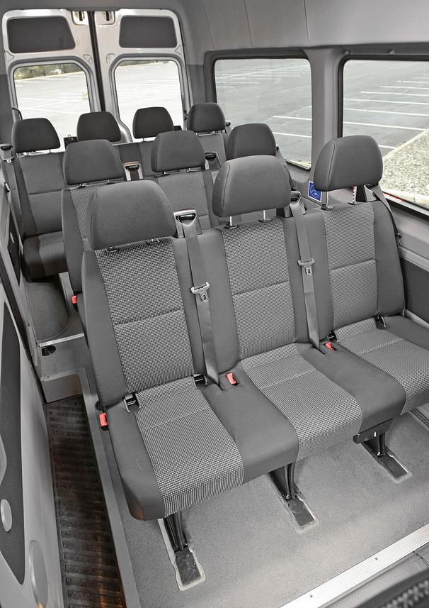 2010-Mercedes-Benz-Sprinter-2500-interior.jpg