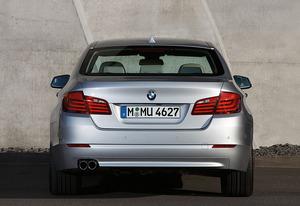 2011-BMW-550i-rear.jpg