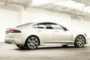 2011-Jaguar-XF-rear.jpg